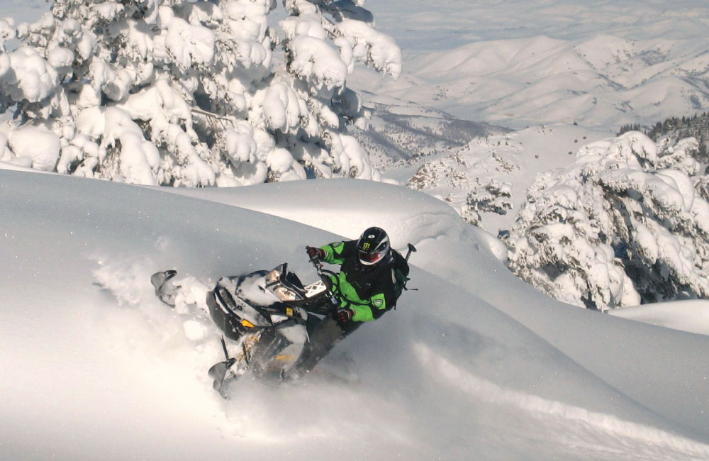 photographyTour/snowmobile.jpg, Snowmobiling in Logan Canyon